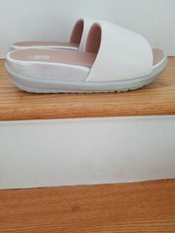 Fitflop NWB Loosh Luxe White & Silver Leather Slide US 9 $22